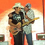 Blake Shelton and Brad Paisley Performs