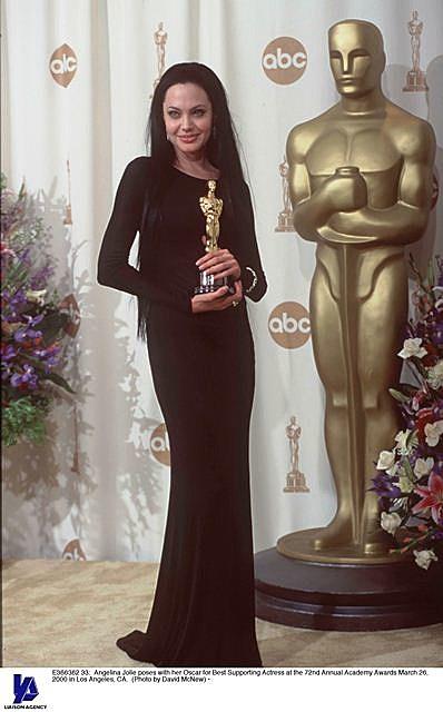 Angelina Jolie wins her Oscar