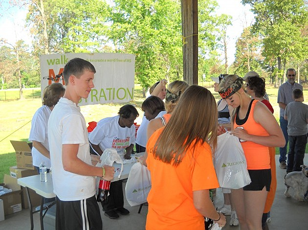 Participants register for Walk MS Texarkana 2012
