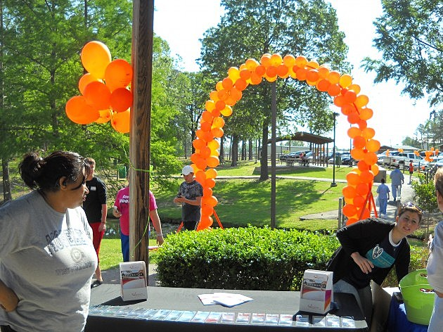 An arch of balloons marks the starting line at the Walk MS Texarkana 2012 event