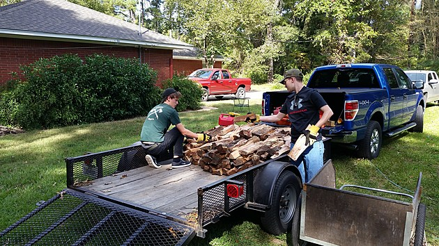 Troop 3 loads up the Turkey Smoke wood.