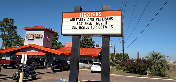What Restaurant Have Free Food On Vet Day