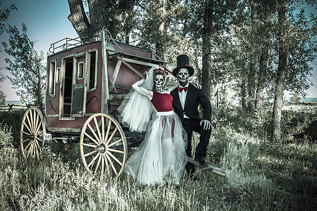 Skeleton Bride & Groom